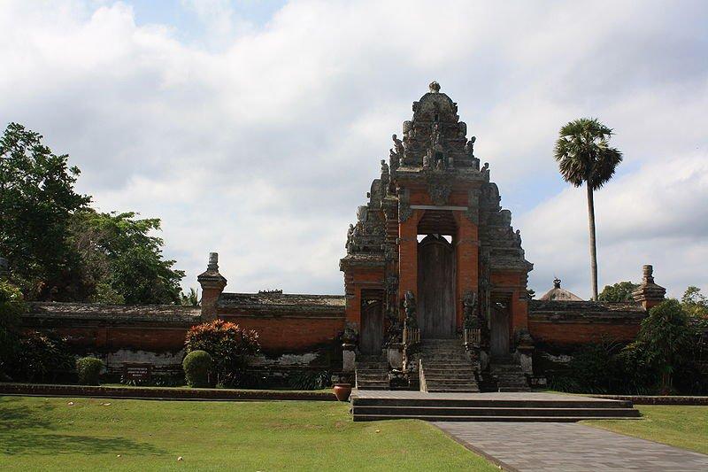 Храм Пура Таман Аюн, Бали, фото Anthony.bradbury