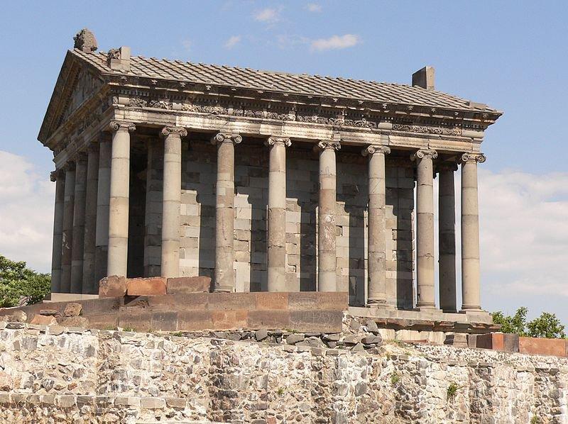 Римский храм Гарни, Армения