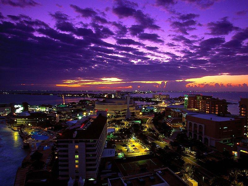 Ночной Канкун, Мексика