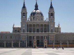Собор Девы Марии Алмуденской, Мадрид