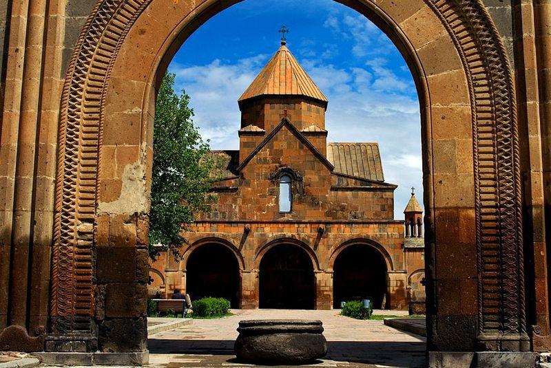 Церковь Святой Гаяне, Эчмиадзин