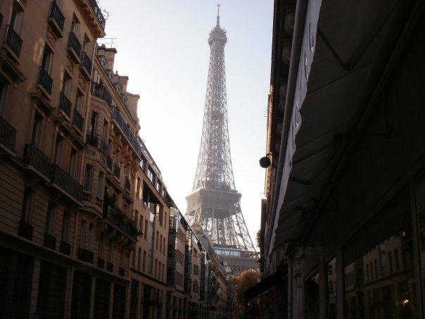 Вид на Эйфелеву башню из 7 округа