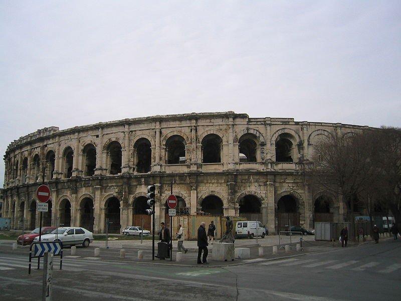 Амфитеатр в Ниме