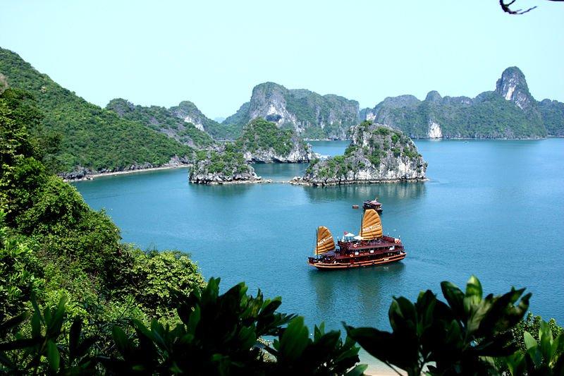 Бухта Ха Лонг, Вьетнам