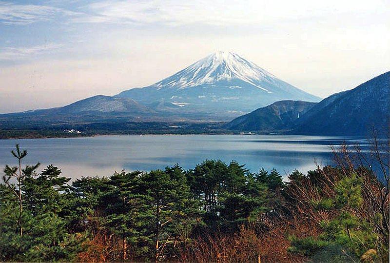Фудзи, Япония, вид издали