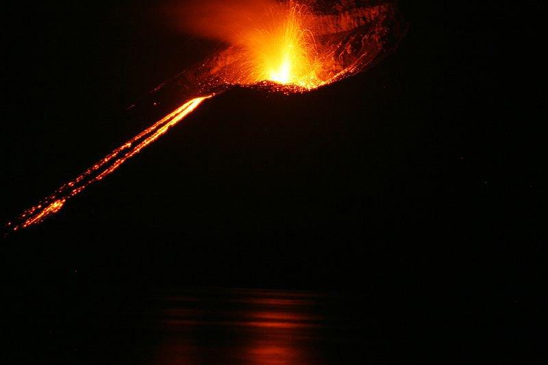 Извержение Анак Кракатау