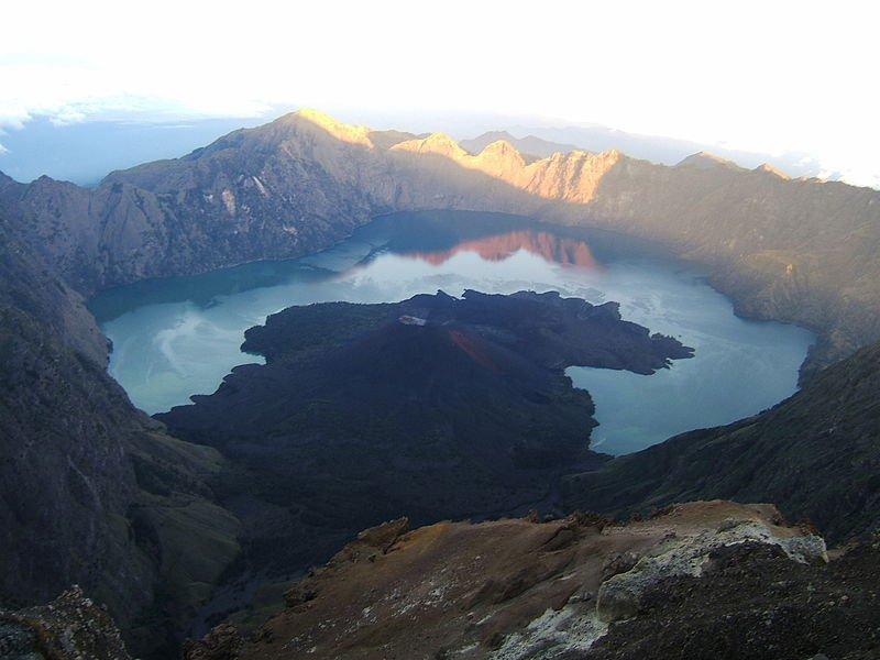 Вулкан Ринджани, Ломбок, фото Massew64