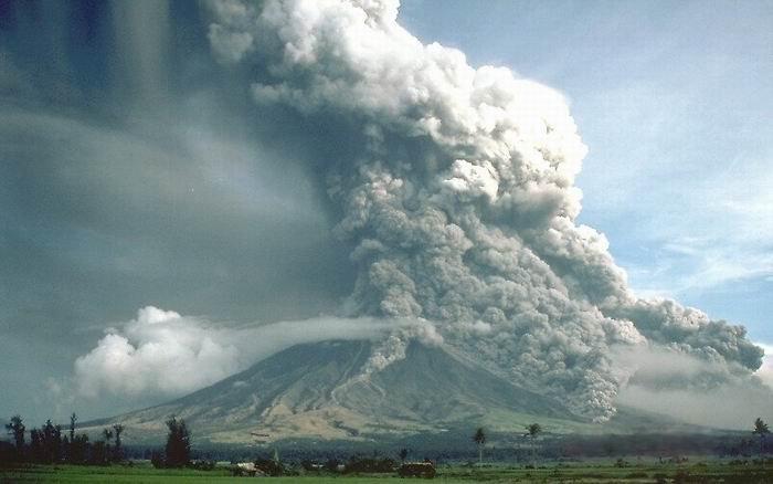 Вулкан Майон, Филиппины, пирокластический поток, 1984 год