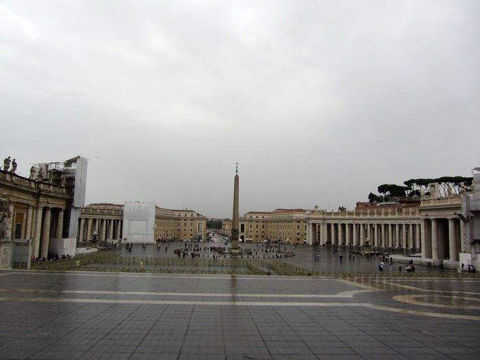 Площадь Святого Петра, вид от базилики