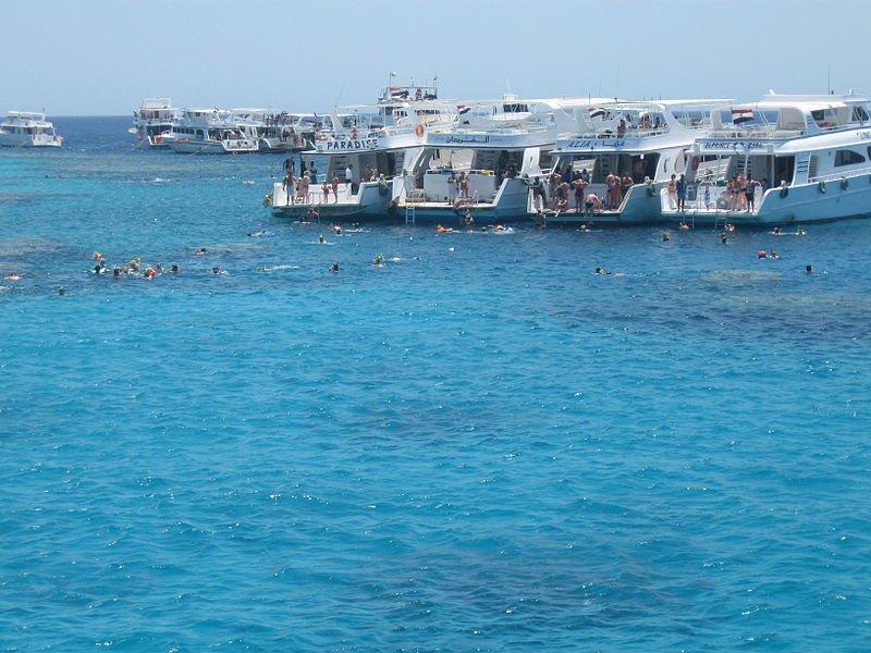 Хургада, купание с яхт