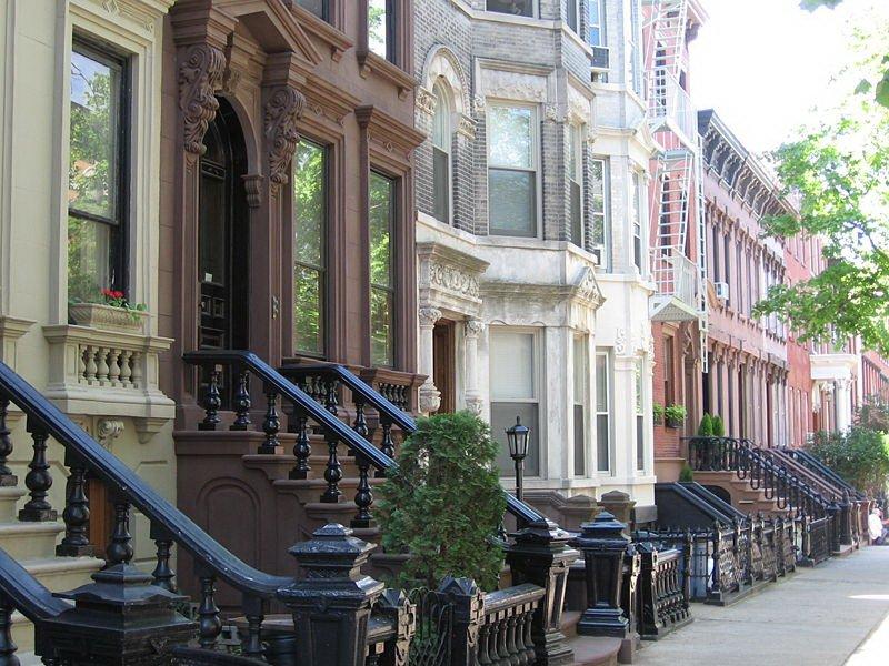 Дома в богатом районе Гринпойнт на Манхэттене