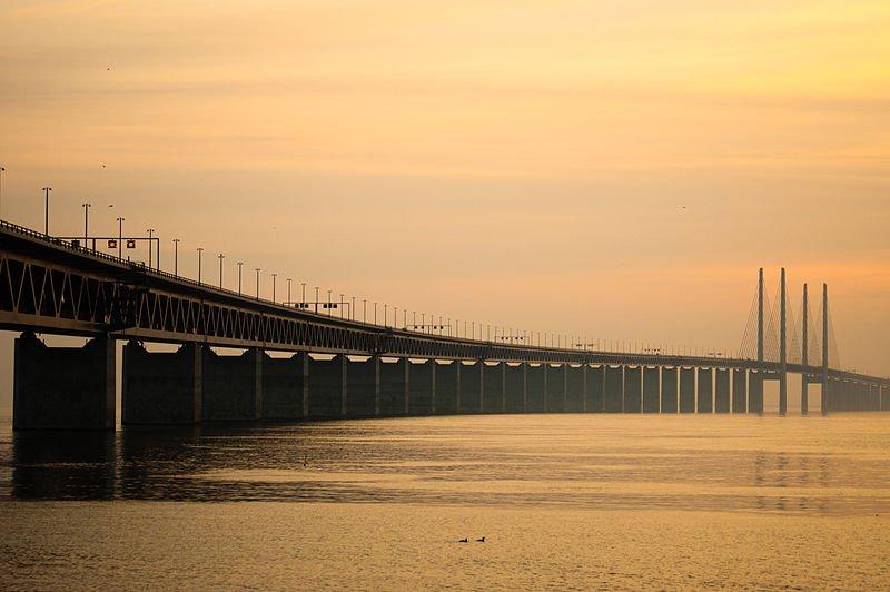 Эресундский мост соединяет Швецию и Данию