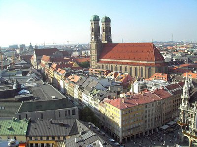 Мюнхен, вид на Фрауэнкирху, фото Paloma Baron