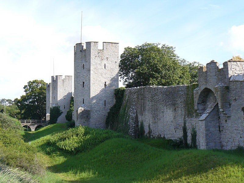 Крепость Висбю, стены