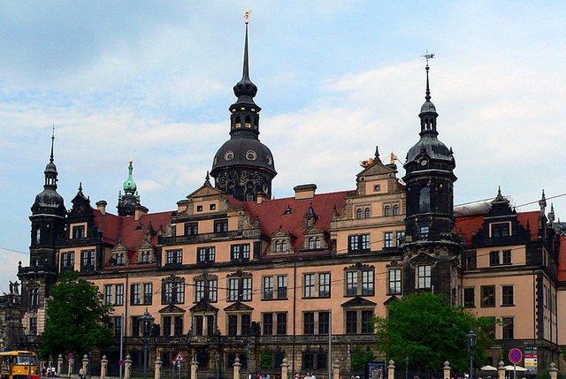 Дрезденский королевский дворец, парадный фасад