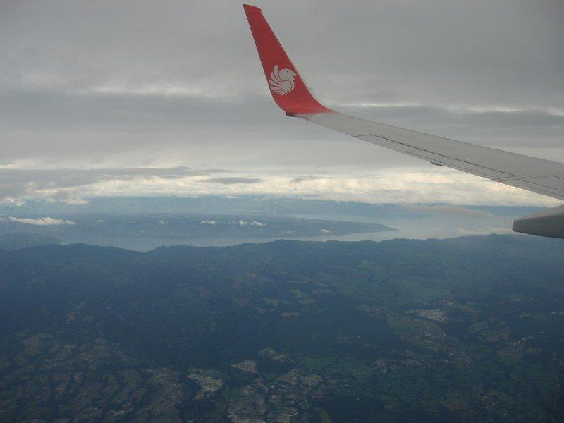 Озеро Тоба, вид с самолета