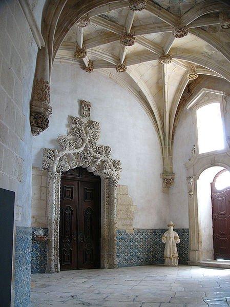 Монастырь Алкобаса, интерьер