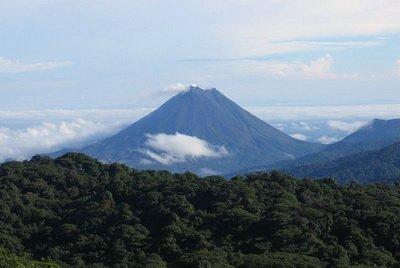 Вулкан Ареналь, фото Peter Andersen