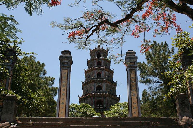 Пагода Тьен Му, Хью, Вьетнам