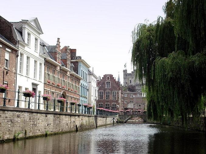 Канал в Генте, Бельгия
