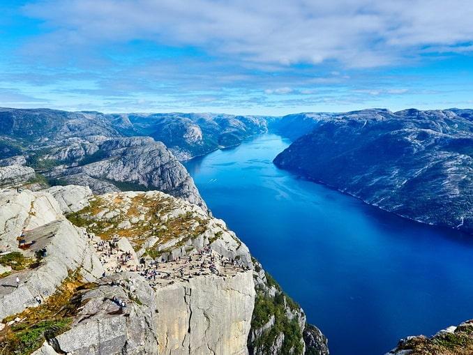 Лисе-фьорд и Прекестулен в Норвегии