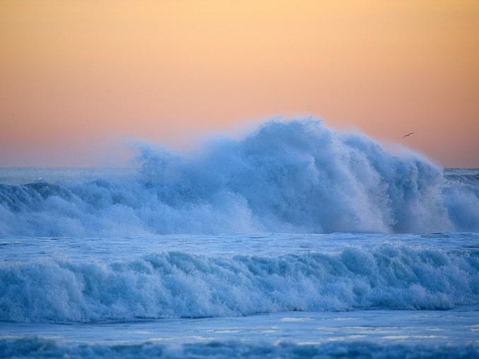Тихий океан, волны