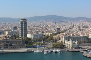 Рамбла начинается у набережной Барселоны