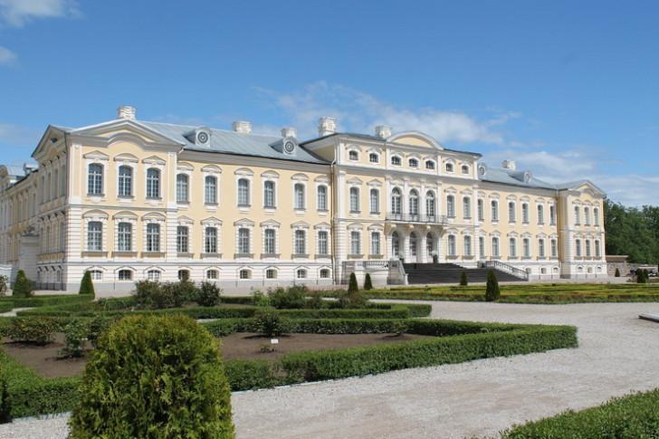 Рундальский дворец, Латвия
