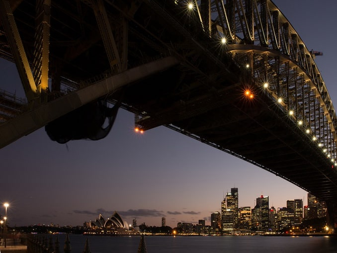 Вид на вечерний Сидней в Австралии