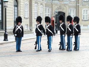 Гвардейцы датского короля, дворец Амалиенборг