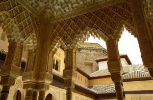 """Кружево"" на стенах в Альгамбре"