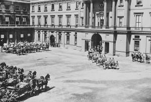 Внутренний двор дворца, 1897 год