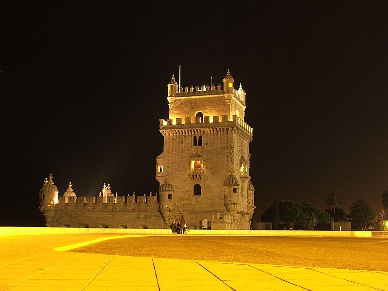 Белемская башня ночью