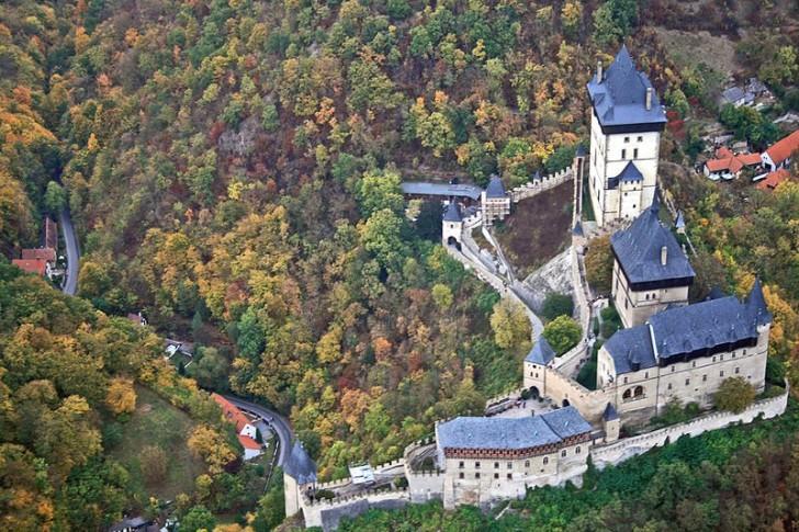 Замок Карлштейн, вид сверху