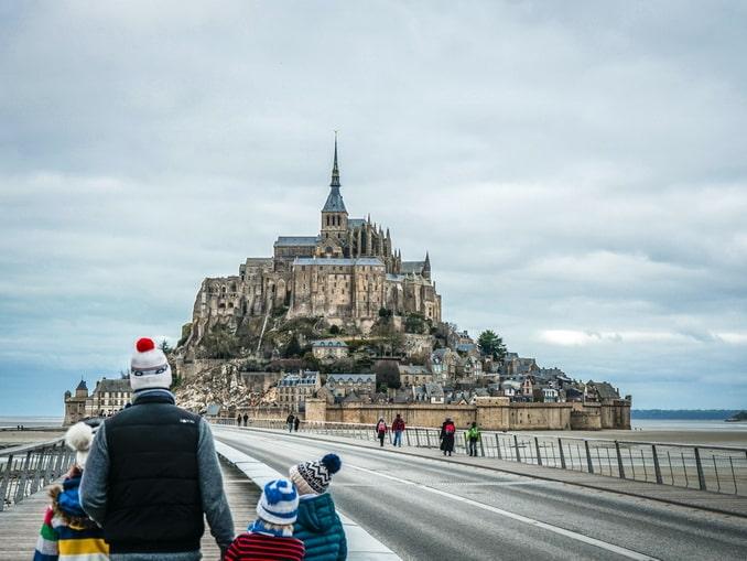 Дорога к Мон-Сен-Мишелю, Франция