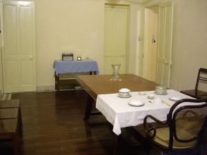 Столовая в доме Хо Ши Мина, фото Esemono