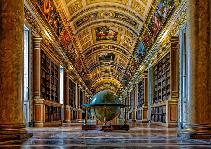 Библиотека Фонтенбло - залы дворца роскошны