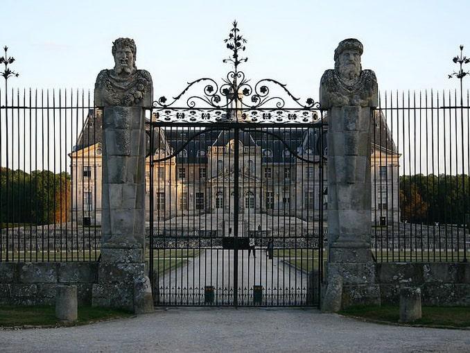 Во-ле-Виконт, парковые ворота