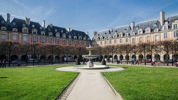 Площадь Вогезов, Париж, Франция