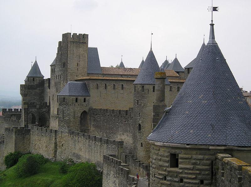 Каркассон, стены и башни