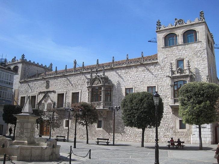 Каса-дель-Кордон, Бургос