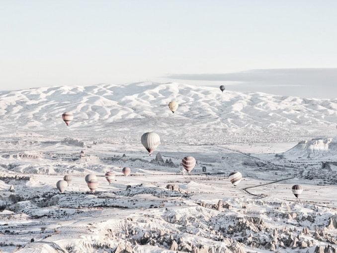 Каппадокия в Турции в конце декабря порой выглядит волшебно