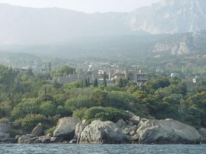 Воронцовский дворец в Крыму можно посетить самостоятельно