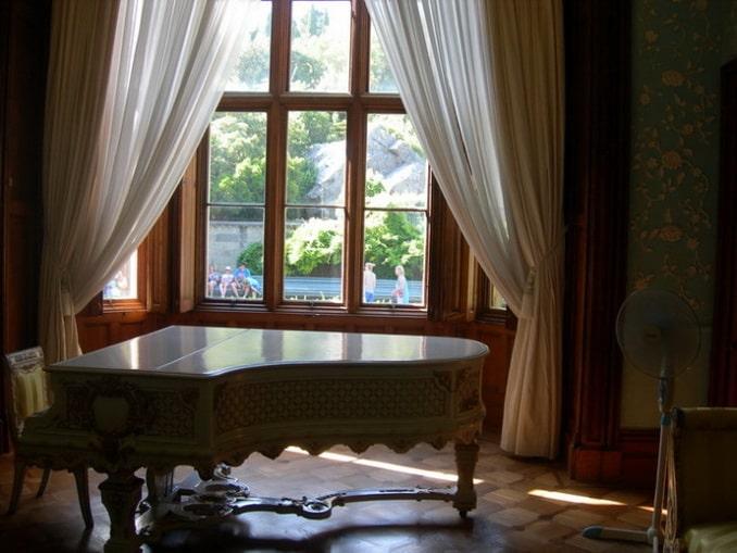 Воронцовский дворец в Крыму внутри - рояль возе которого пел Шаляпин
