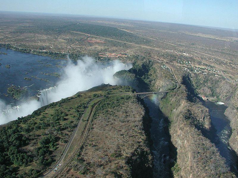 Водопад Виктория с борта вертолета