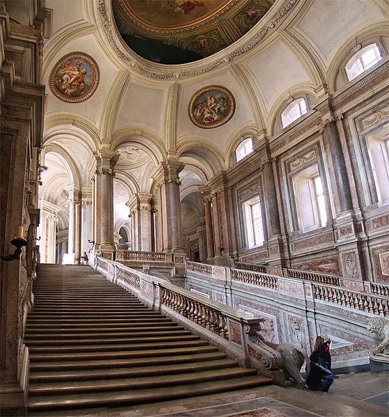 Лестница дворца в Казерте, фото Tango7174 / Wikimedia Commons