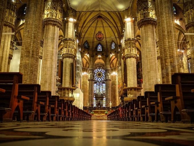 Интерьер Миланского собора