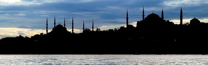 Турция открывает Босфорский тоннель