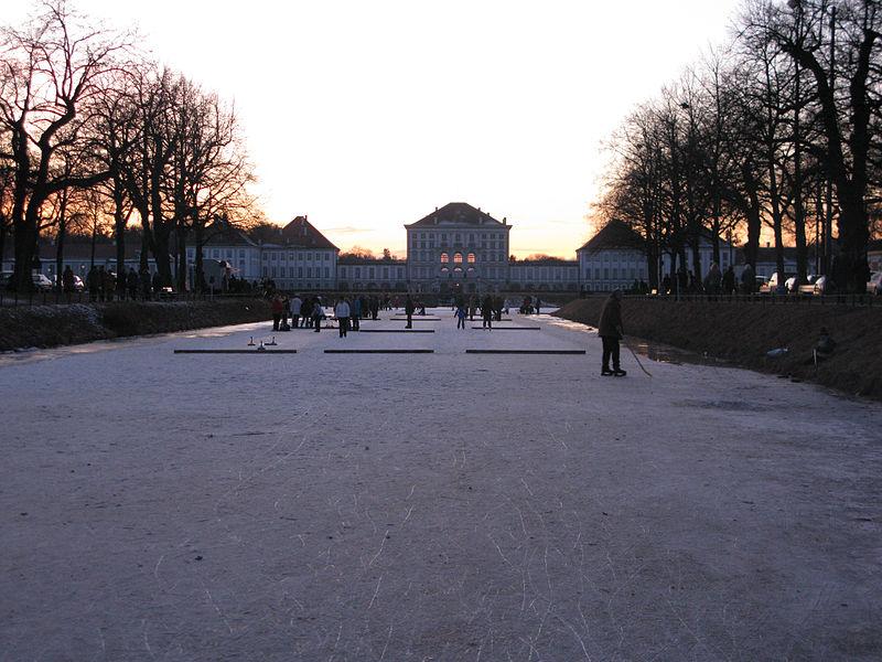 Дворец Нимфенбург зимой