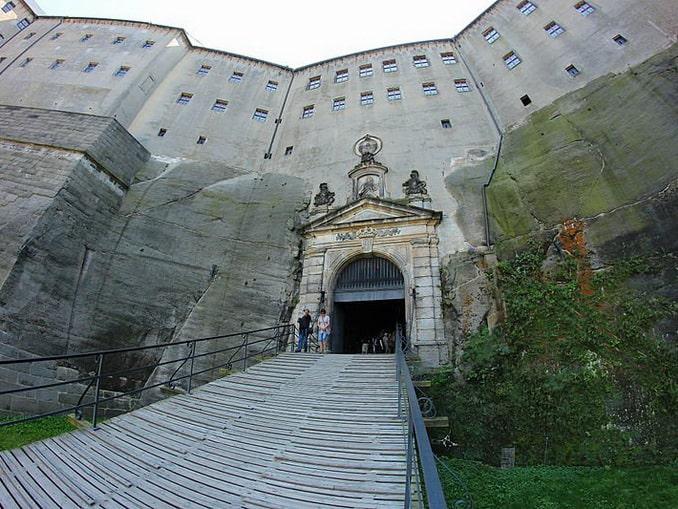 Вход в крепость Кёнигштайн под Дрезденом